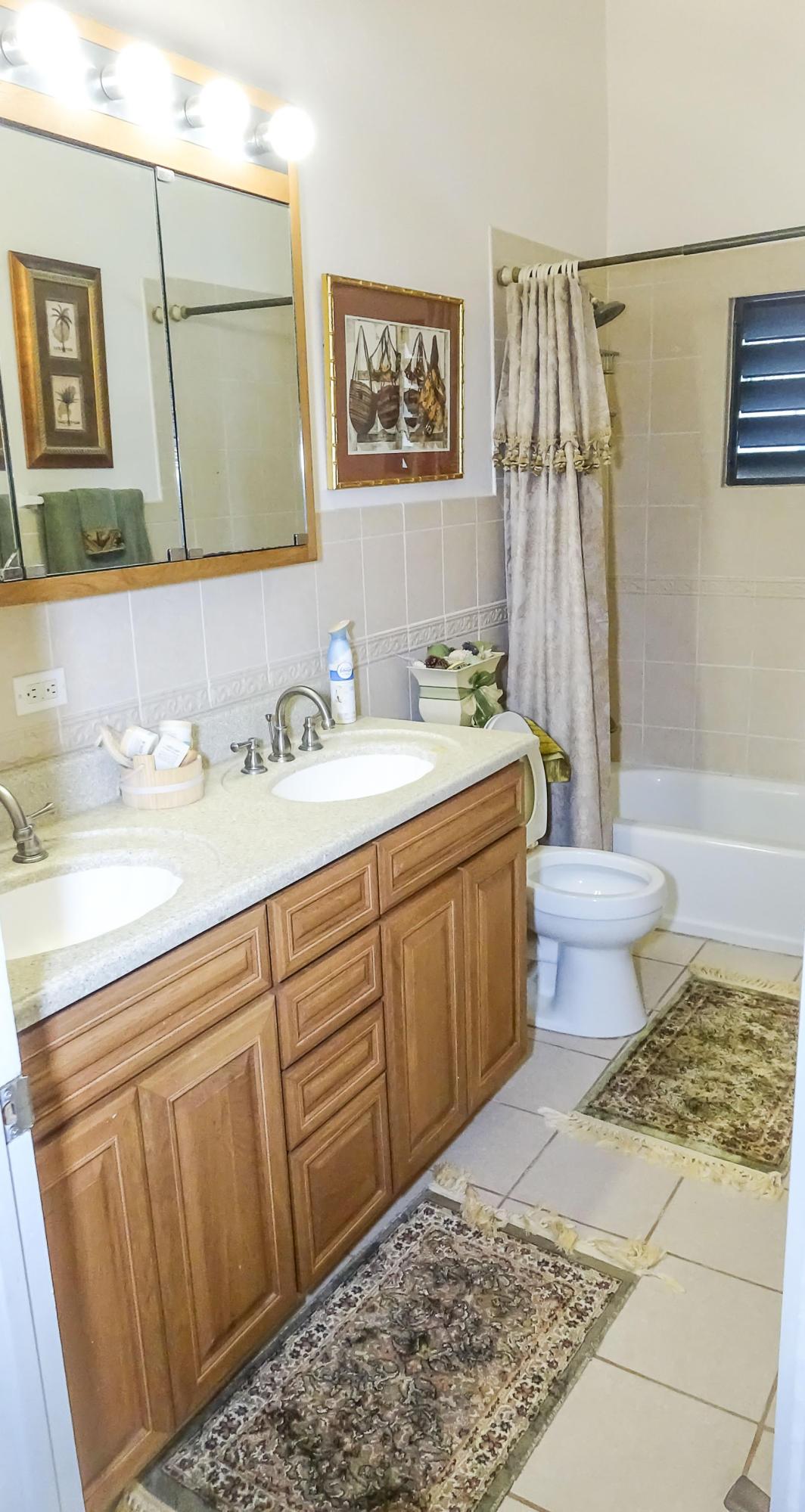 25-Bathroom 2-1