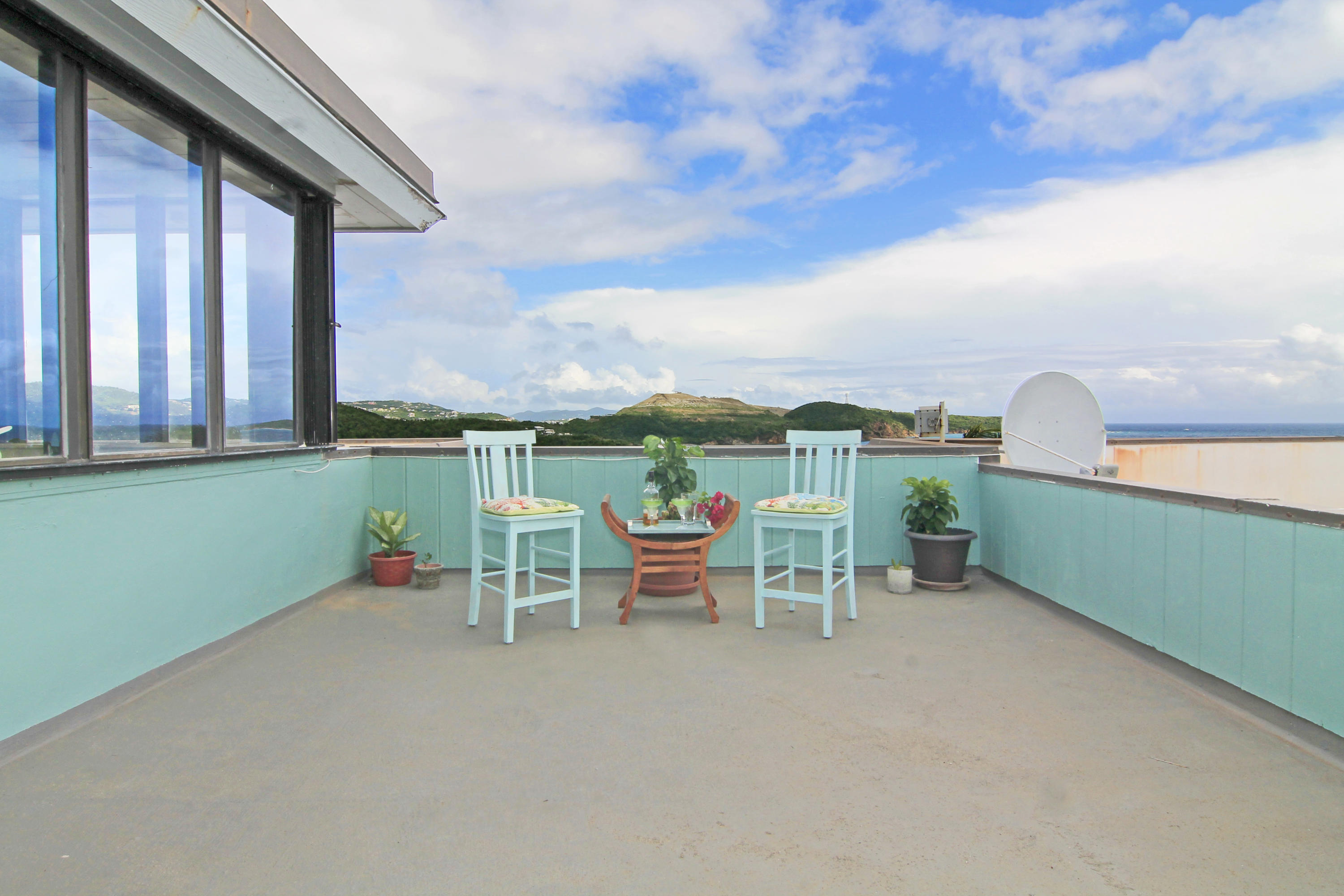 500 sq ft Roof Top Patio