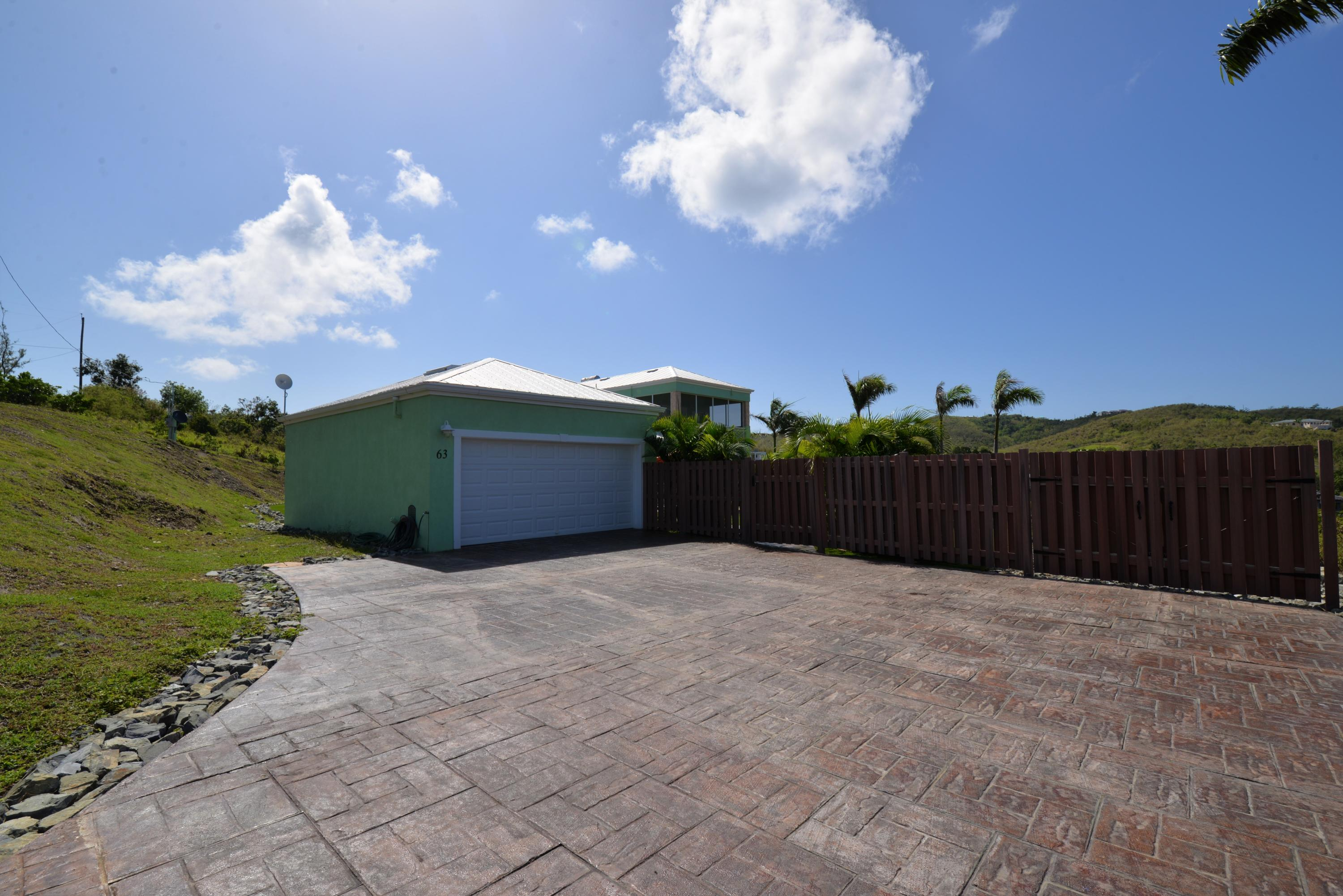 Garage and ample parking
