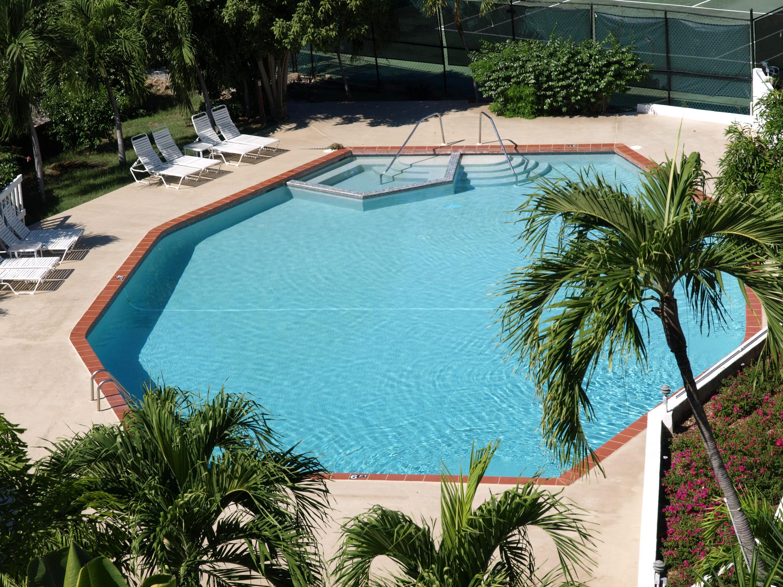 BIG Pool!!