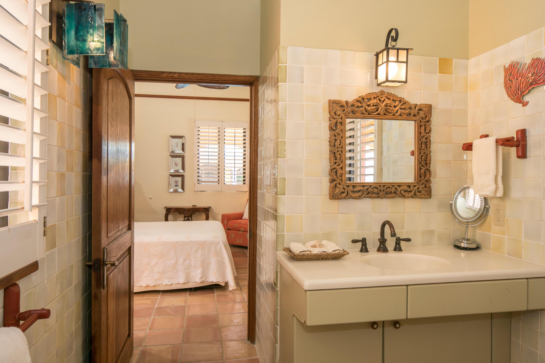 Guest Suite 3 Bathroom