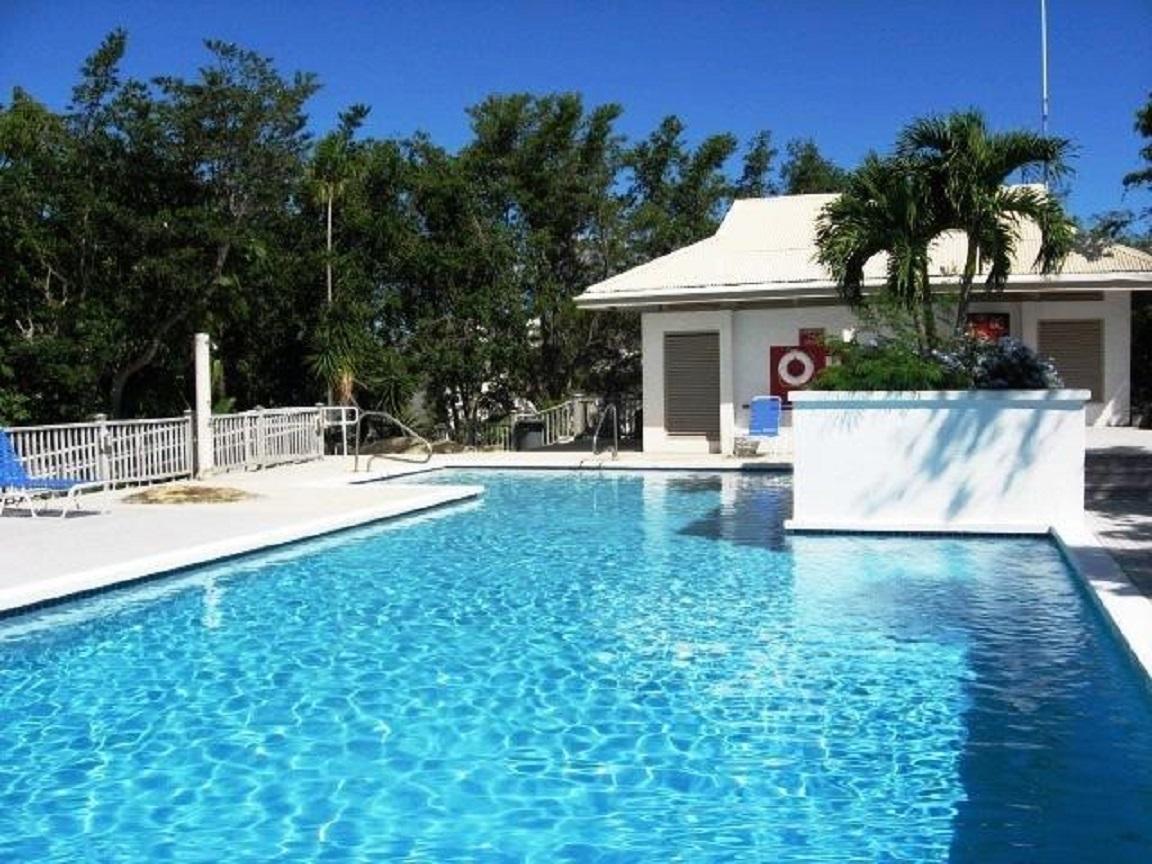 Sanderling Court Swimming pool
