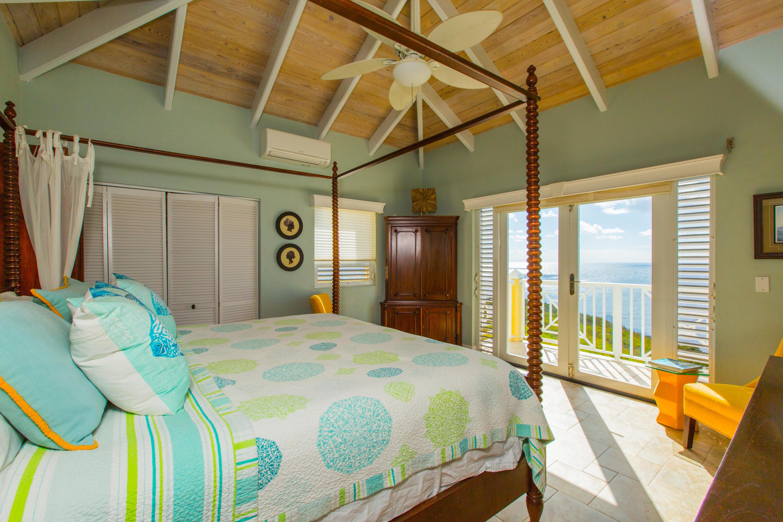 Bedroom Shannon Suite
