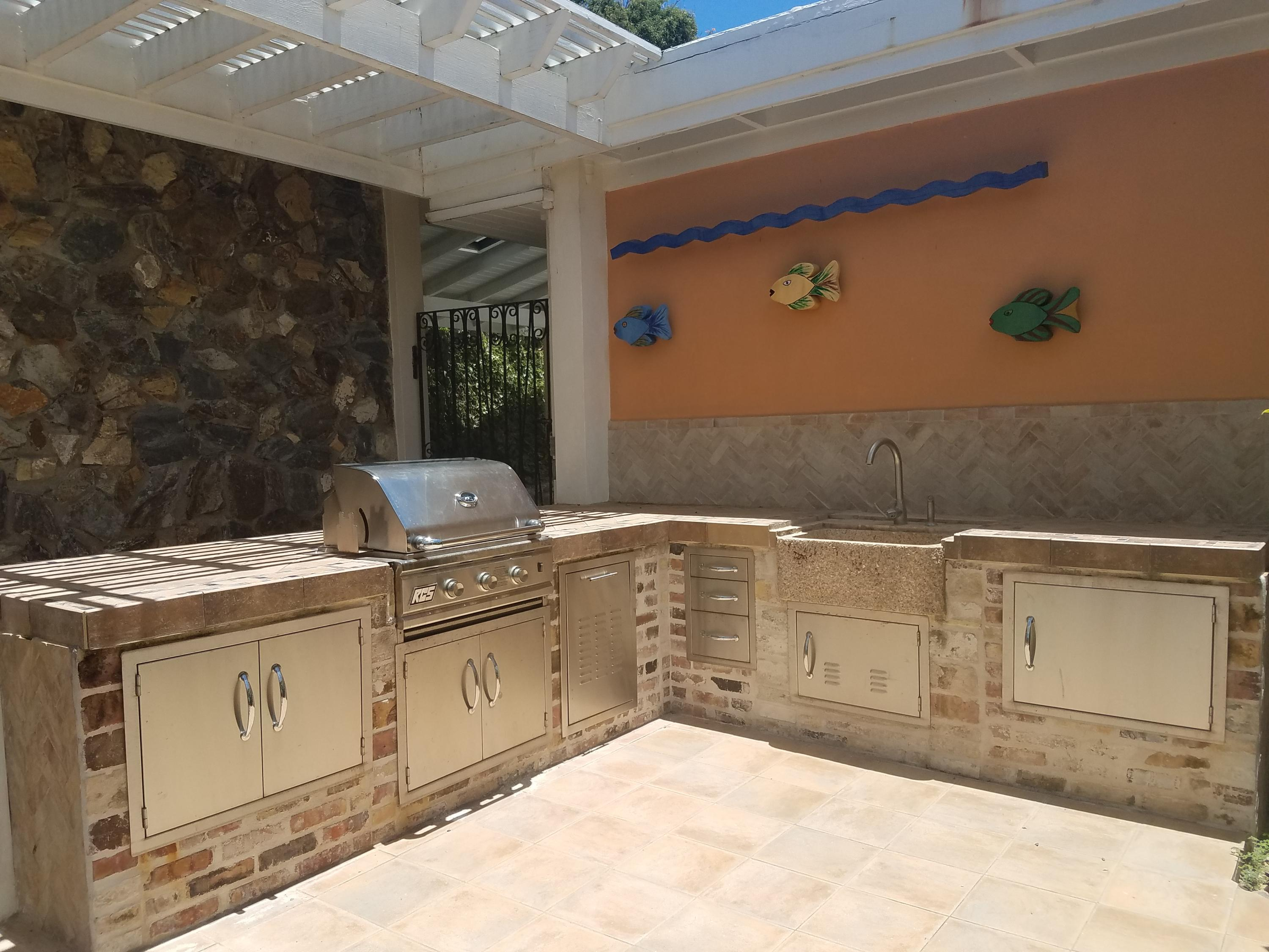 Outdoor Kitchen fit for a Chef!