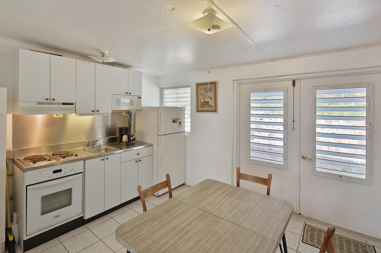 Waterfront Cottage Kitchen