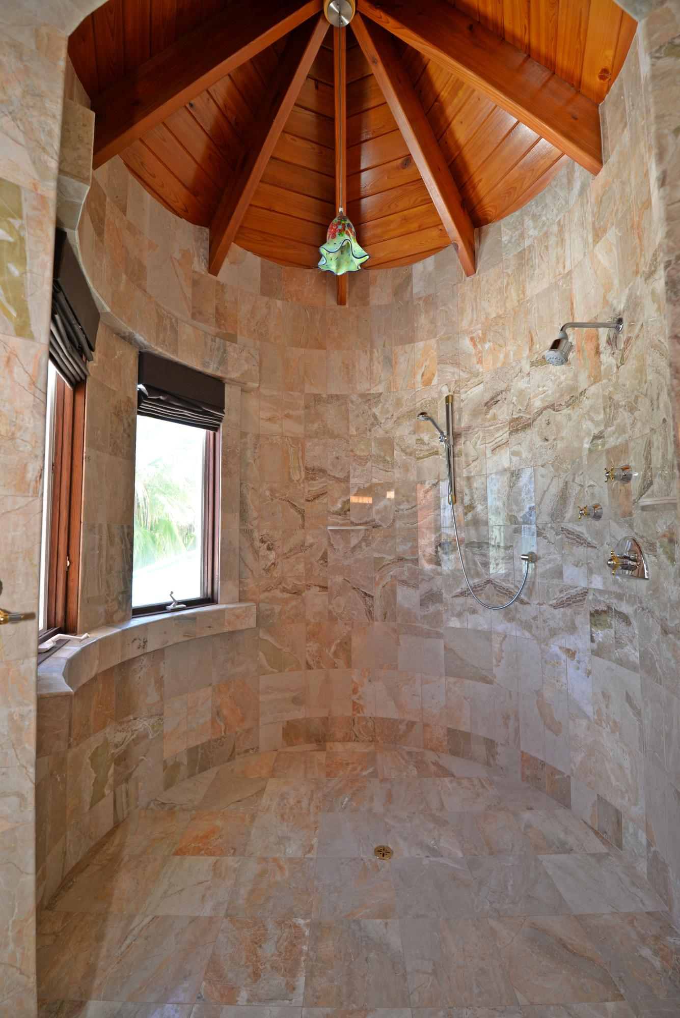 Rounded showerin master bath en suite