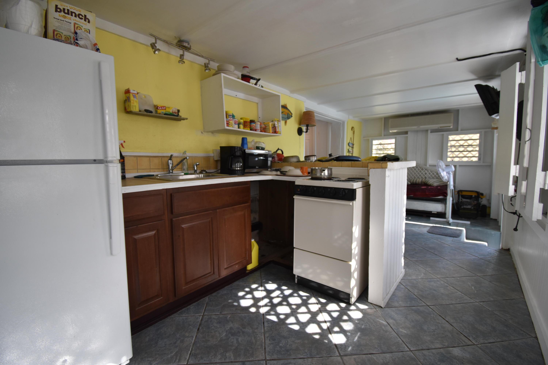 Apt Kitchen
