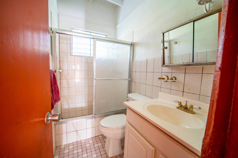 unit one bathroom