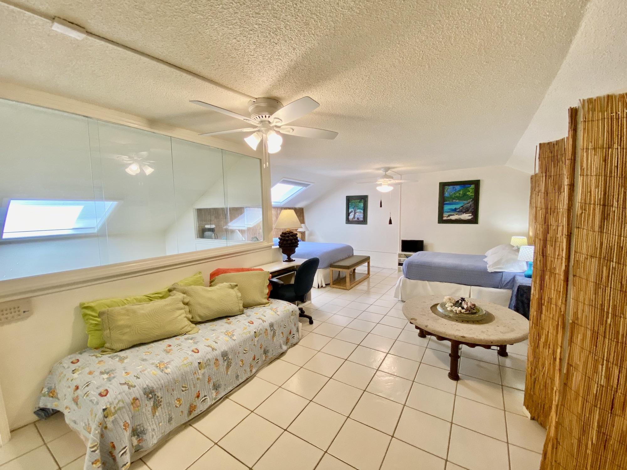 Loft-2 bed w/ day bed