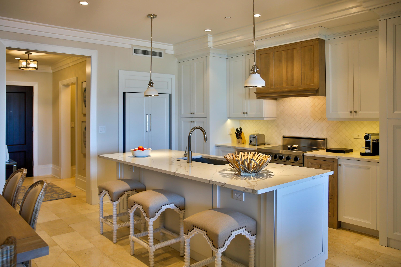 view livingroom to kitchen